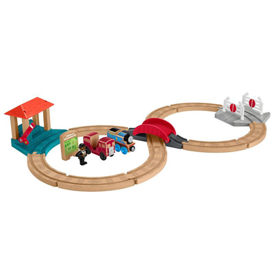 Thomas & Friends Racing Figure-8 Set
